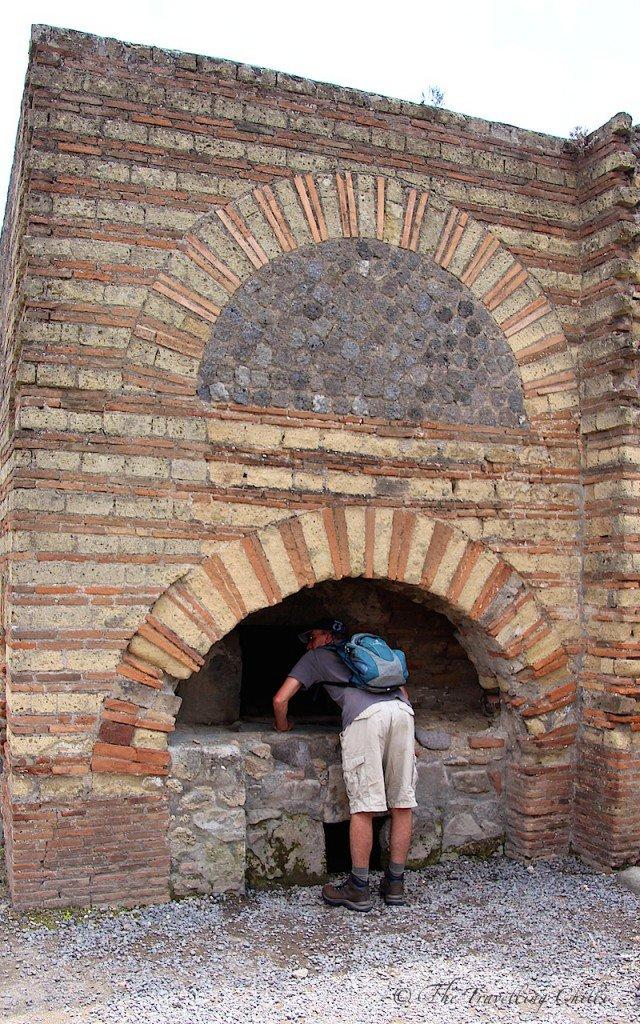 italy pompeii bakery oven