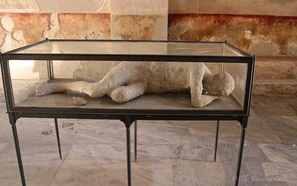 pompeii italy body