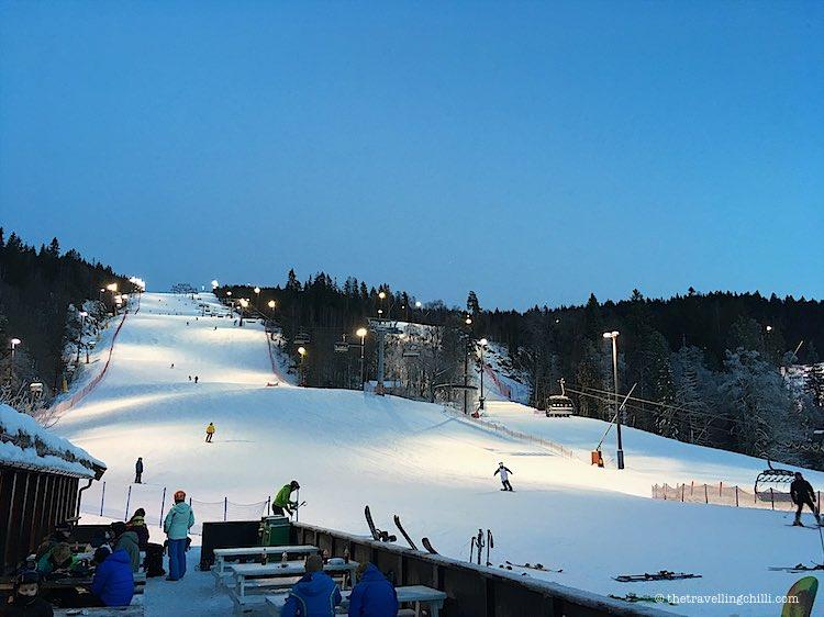 Night skiing in Oslo Winterpark