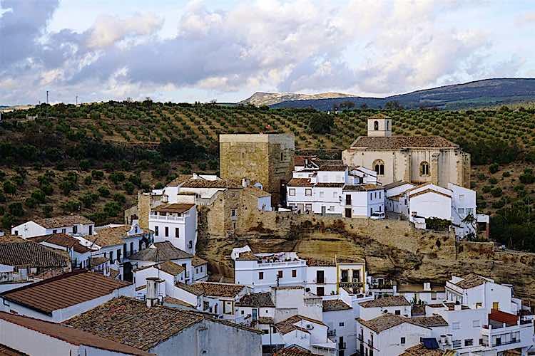 Setenil Las Bodegas Pueblos blancos Andalucia White Villages Spain
