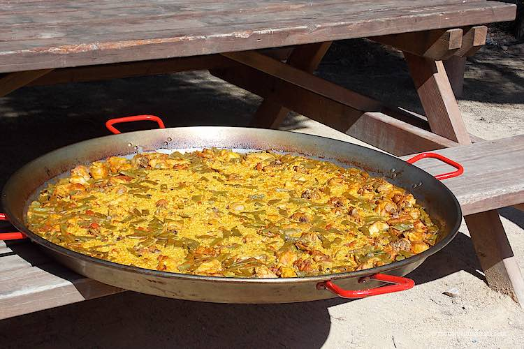 Paella Valenciana pan Spanish Food